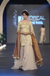 Sadaf-Malaterre-PFDC-Loreal-paris-bridal-week-2013-day-2 (13)