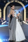 Sana-Safinaz-pfdc-loreal-paris-bridal-week-2013-day-3 (11)