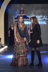 Sonia-Azhar-PFDC-Loreal-paris-bridal-week-2013-day-2 (1)