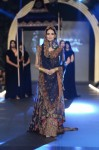 Sonia-Azhar-PFDC-Loreal-paris-bridal-week-2013-day-2 (22)