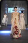 Zara-Shahjahan-pfdc-loreal-paris-bridal-week-2013-day-3 (1)