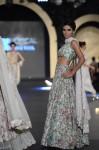 Zara-Shahjahan-pfdc-loreal-paris-bridal-week-2013-day-3 (22)