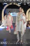 Zara-Shahjahan-pfdc-loreal-paris-bridal-week-2013-day-3 (23)