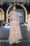 Zara-Shahjahan-pfdc-loreal-paris-bridal-week-2013-day-3 (29)