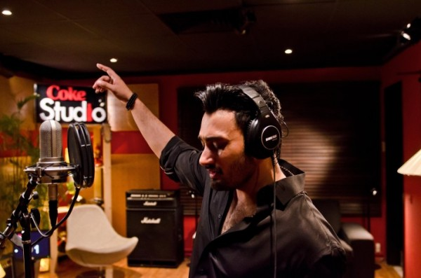 umair-jaswal-coke-studio-season-6-episode-1 (4)
