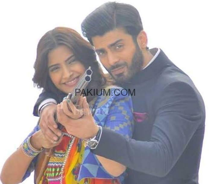 Fawad-Khan-and-Sonam-Kapoor-on-the-sets-of-upcoming-bollywood-movie-Khoobsurat (2)