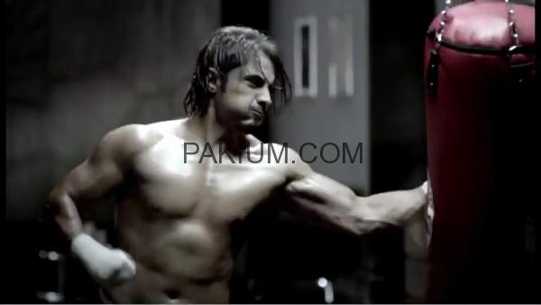 Sexy Ali Zafar in QMobile TVC
