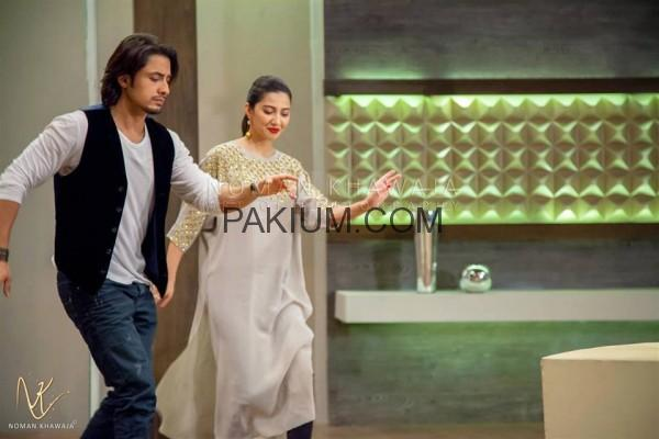 tuc-lighter-side-of-life-mahira-khan-ali-zafar2