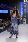 Gulabo-Fashion-Pakistan-Week-Day-2 (2)