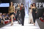 Maheen-Karim-Fashion-Pakistan-Week-Day-2 (1)