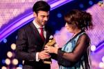 Fawad-Khan-2nd-HUM-AWARDS-2014 (45)