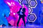 Javed-Sheikh-Performing-2nd-HUM-AWARDS-2014 (8)