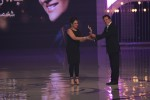 Javed-Sheikh-Presenting-Bushra-Ansari-2nd-Hum-awards