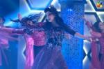 Mehwish-Hayat-dance-2nd-HUM-AWARDS-2014 (16)
