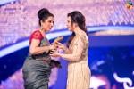Samina-Pirzada-2nd-HUM-AWARDS-2014 (30)