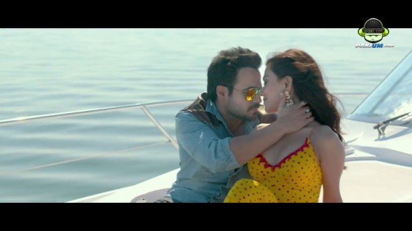 humaima malik romancing on cruise with emran hashmi