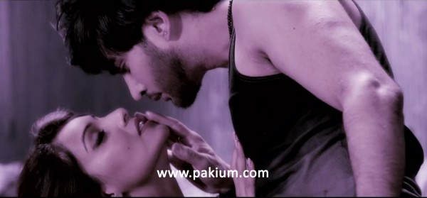 Imran Abbas kissing Bipasha Basu