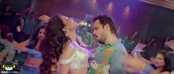 humaima-maliks-item-song-namak-paare-for-movie-raja-natwarlal (10)