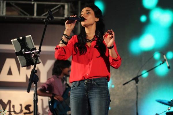 Zoe-Viccaji-Dareeche-Album-Launch-Concert (3)