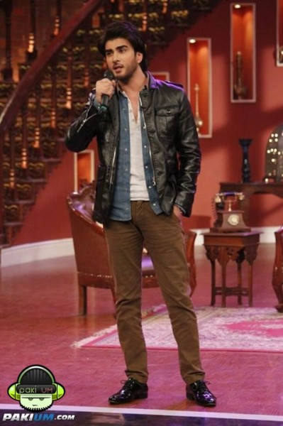 imran-abbas-and-bipasha-basu-in-comedy-nights-with-kapil (14)