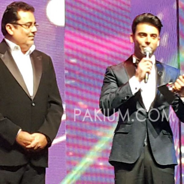 fawad-khan-speaking-masala-awards