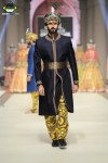 Ali-Xeeshan-Bridal-Couture-Week-2014-Lahore-Day-1 (1)