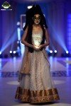 Depliex-Hair-and-Makeup-bridal-couture-week-2014-lahore-day-2 (4)