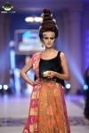 Depliex-Hair-and-Makeup-bridal-couture-week-2014-lahore-day-2 (5)