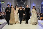 Fozia-Hammad-Bridal-Couture-Week-2014-Lahore-Day-1 (1)