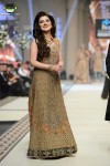 Fozia-Hammad-Bridal-Couture-Week-2014-Lahore-Day-1 (4)