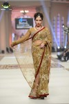 Hajra-Hayat-bridal-couture-week-2014-lahore-day-2 (4)