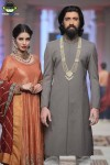 Samreen's-Closet-bridal-couture-week-2014-lahore-day-3-pictures (4)