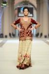 Tena-Durrani-Bridal-Couture-Week-2014-Lahore-Day-1 (2)