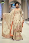 Tena-Durrani-Bridal-Couture-Week-2014-Lahore-Day-1 (6)