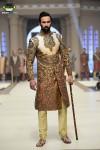 Ziggi-Menswear-Bridal-Couture-Week-2014-Lahore-Day-1 (2)