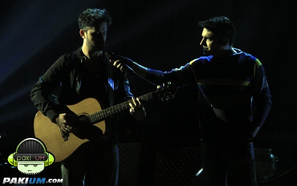 atif-aslam-in-comedy-nights-with-kapil (11)