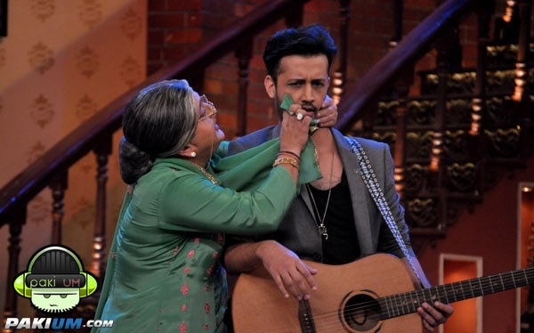 atif-aslam-in-comedy-nights-with-kapil (2)