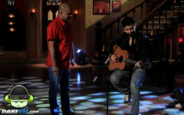 atif-aslam-in-comedy-nights-with-kapil (4)