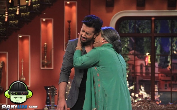 atif-aslam-in-comedy-nights-with-kapil (6)