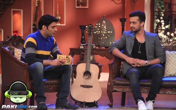 atif-aslam-in-comedy-nights-with-kapil (9)