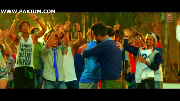 atif-aslam-zindagi-aa-raha-hoon-main-official-video (5)