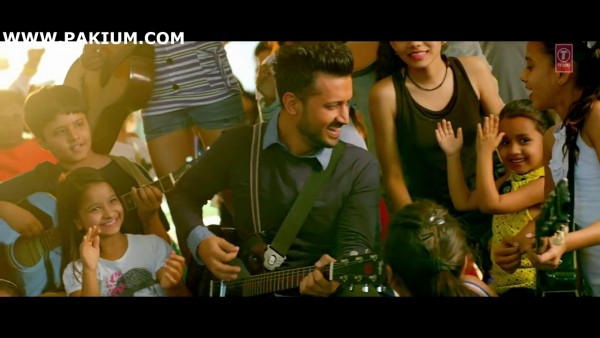 atif-aslam-zindagi-aa-raha-hoon-main-official-video (8)
