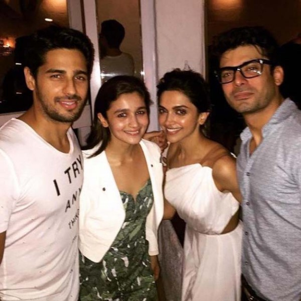 Deepika-Padukone-with-Alia-Bhatt-Sidharth-Malhotra-and-Fawad-Khan-at-the-success-bash-of-Piku.
