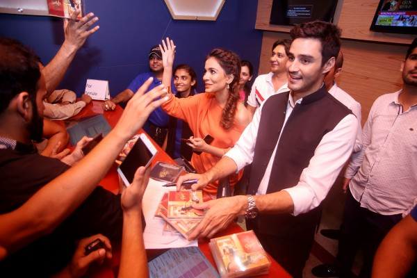 Sikander Rizvi and Humaima Malick distributing DMPS OST to DMPS enthusiasts (1)