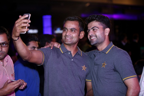 pakistani-showbiz-stars-attend-the-launch-of-pakistan-super-league (17)