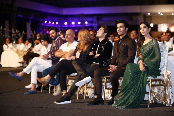 pakistani-showbiz-stars-attend-the-launch-of-pakistan-super-league (21)