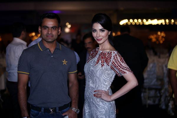 pakistani-showbiz-stars-attend-the-launch-of-pakistan-super-league (30)