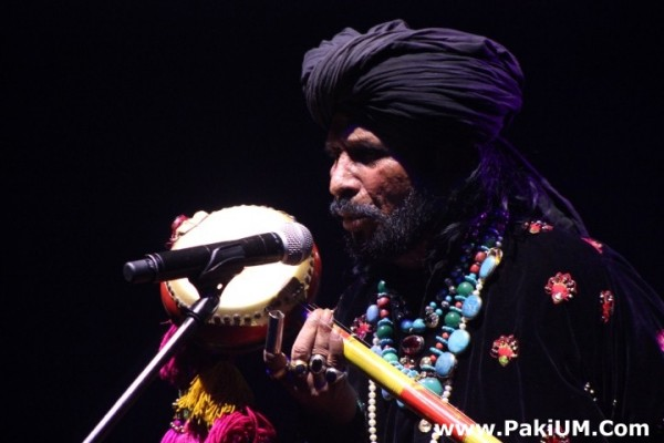 sain-zahoor-performed-in-warsaw-poland-at-skrzyzowanie-kultur-festival (11)