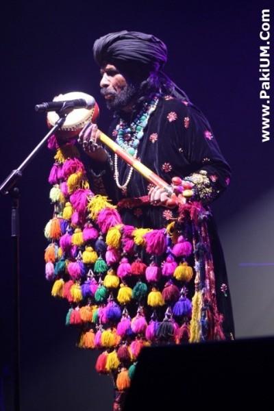 sain-zahoor-performed-in-warsaw-poland-at-skrzyzowanie-kultur-festival (19)