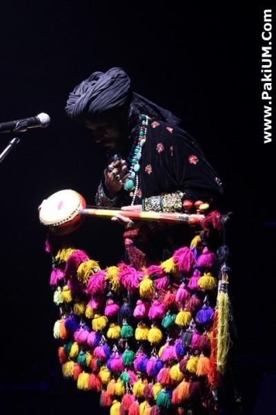 sain-zahoor-performed-in-warsaw-poland-at-skrzyzowanie-kultur-festival (2)